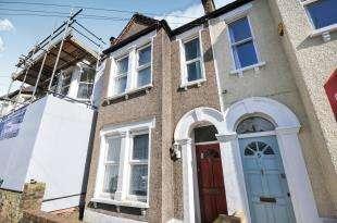 3 Bedrooms Terraced House for sale in Sunnydene Street, Sydenham, ., London