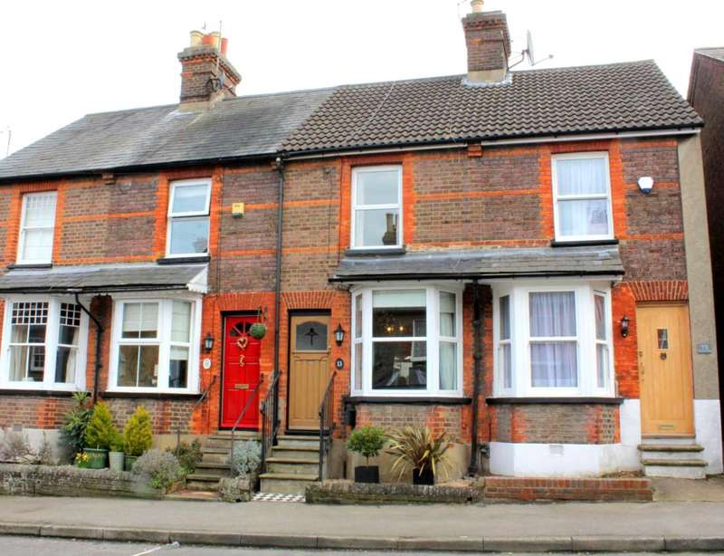 2 Bedrooms Cottage House for sale in CHARACTER 2 DOUBLE BED COTTAGE IN SOUGHT AFTER OLD TOWN