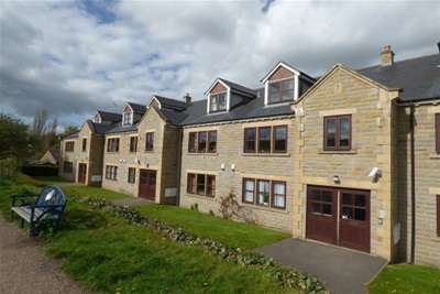 2 Bedrooms Flat for rent in Canal House, Rodley