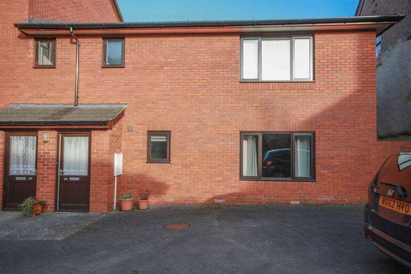 2 Bedrooms Apartment Flat for rent in Flat 34, Francis Court, Crediton