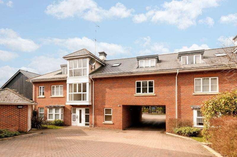1 Bedroom Flat for sale in Stathams Court, Hemel Hempstead Road, Redbourn
