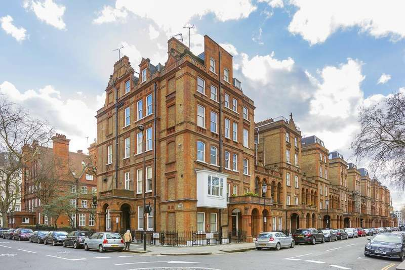 Studio Flat for sale in COURTFIELD ROAD - South Kensington - SW7