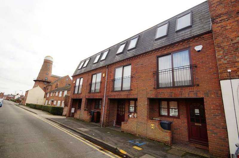 2 Bedrooms Town House for sale in Princess Street, Lincoln