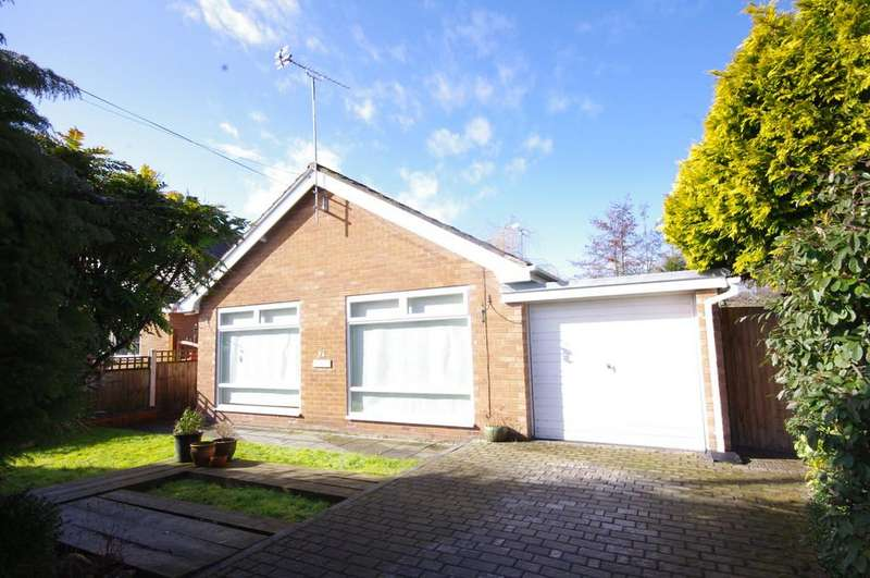 2 Bedrooms Detached Bungalow for sale in Glan Ffyddion, Dyserth