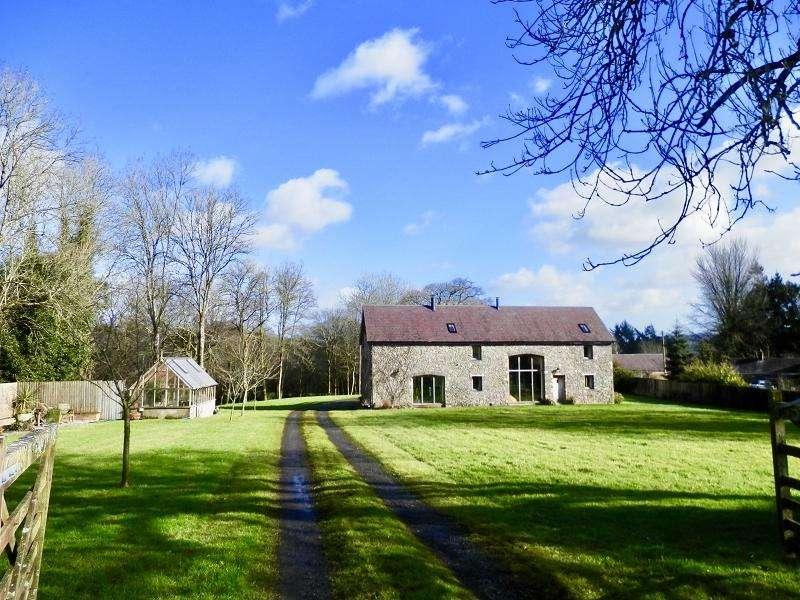 4 Bedrooms Detached House for sale in Llansadwrn, Llanwrda, Carmarthenshire.