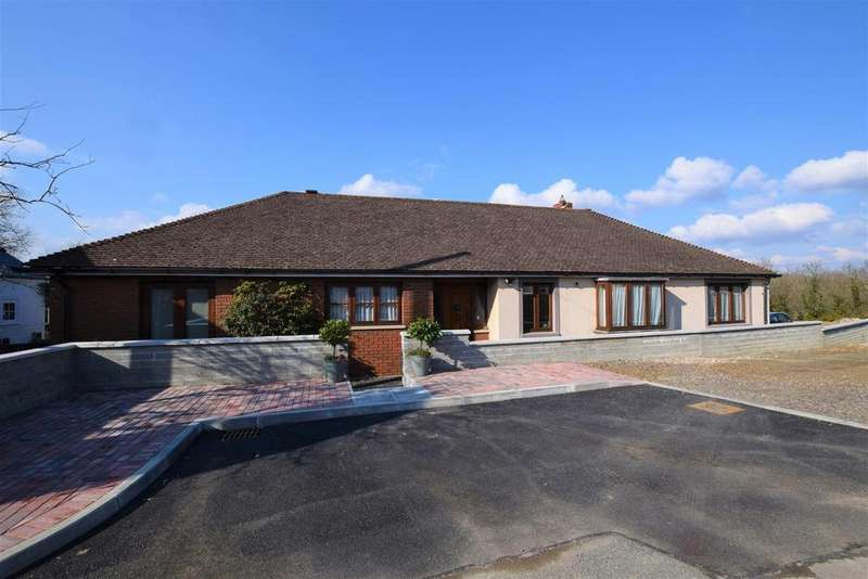 4 Bedrooms Detached Bungalow for sale in Haverfordwest