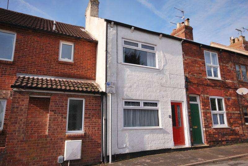 2 Bedrooms Terraced House for sale in Sloe Lane, Beverley