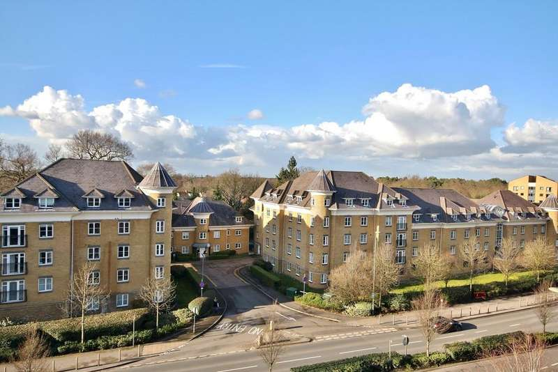 3 Bedrooms Apartment Flat for sale in Century Court, Woking