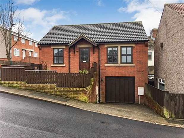 2 Bedrooms Detached Bungalow for sale in Oldham Street, Boosbeck, Saltburn-by-the-Sea, North Yorkshire