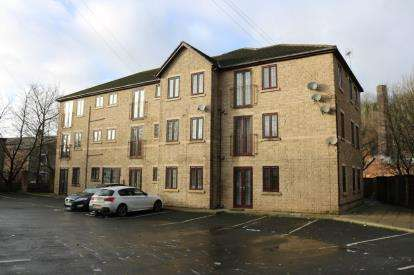 2 Bedrooms Flat for sale in Canal View, Knowl Street, Stalybridge, Cheshire