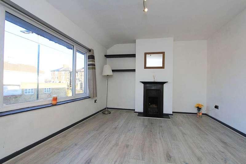 2 Bedrooms Maisonette Flat for sale in 7, Seymour Villas, London, London, SE20 8TR
