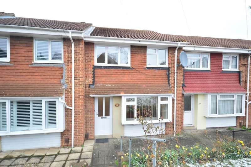 3 Bedrooms Semi Detached House for rent in Lower Higham Road, Gravesend, DA12