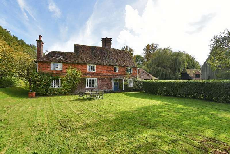 5 Bedrooms Detached House for sale in Bedgebury Road, Goudhurst, Kent, TN17 2QZ
