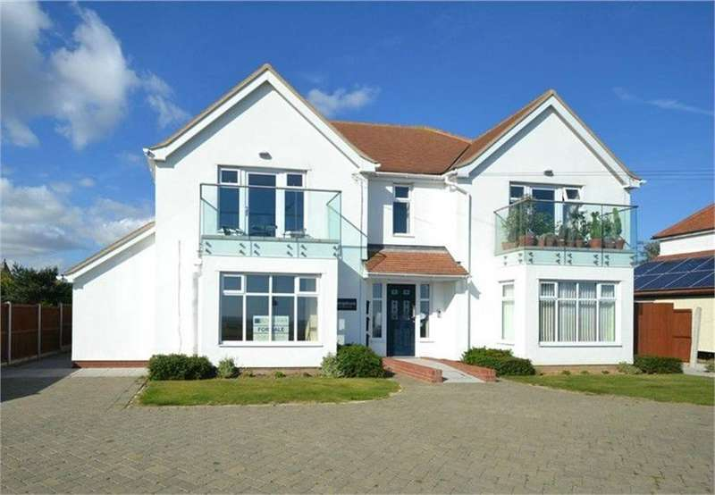 2 Bedrooms Flat for sale in Kings Parade, Holland-on-Sea, Clacton-on-Sea, Essex
