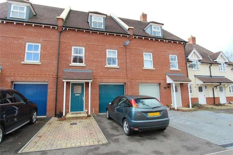 3 Bedrooms Town House for sale in Eltham Close, Colchester, Essex