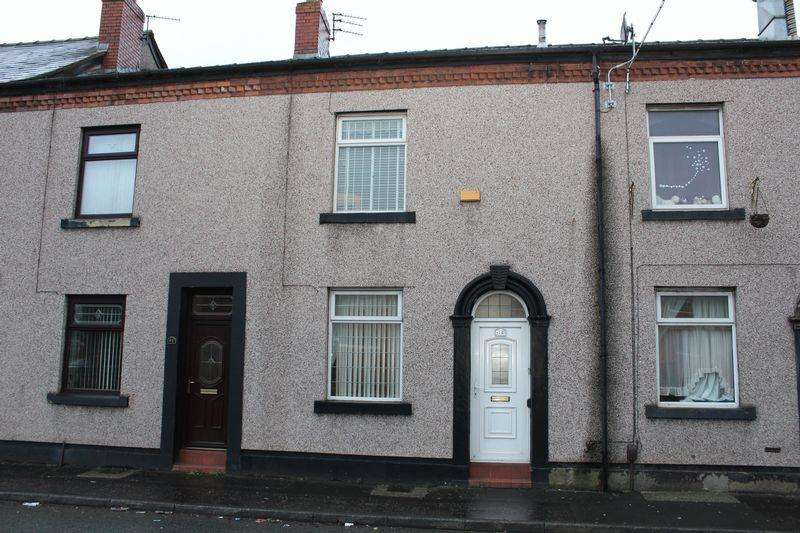 2 Bedrooms Terraced House for sale in Well I'th Lane, Rochdale, OL11 1BB