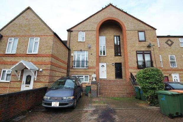 6 Bedrooms Town House for sale in GARNET WALK Garnet Walk, London, E6