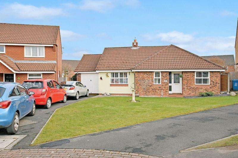3 Bedrooms Bungalow for sale in Chatteris Park, Runcorn