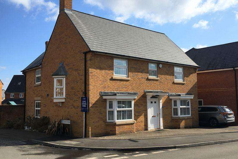 4 Bedrooms Detached House for sale in Cae Canol, Penarth