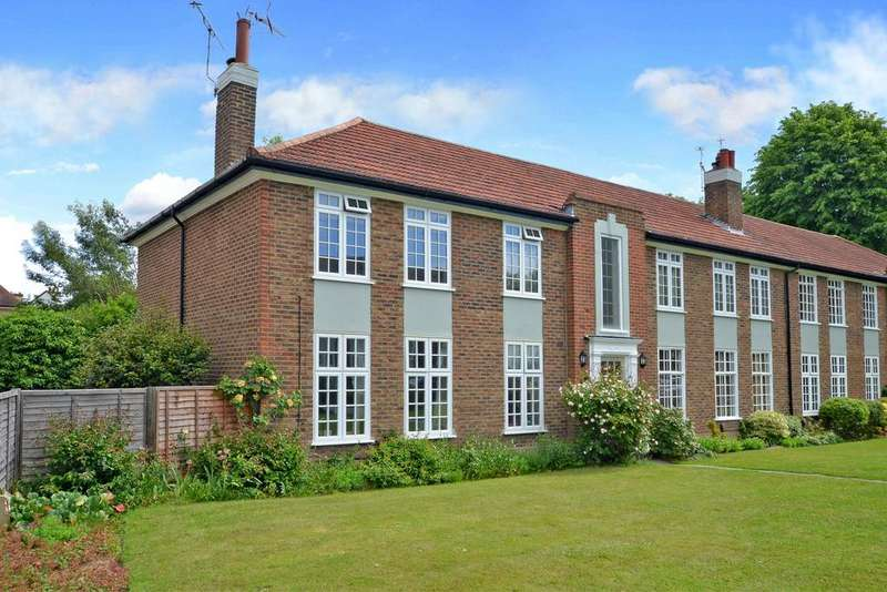 2 Bedrooms Flat for sale in Rythe Court, Portsmouth Road, Thames Ditton, KT7