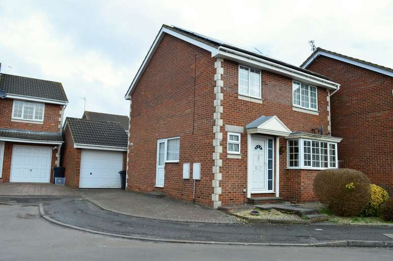 4 Bedrooms Detached House for sale in Swindon SN3