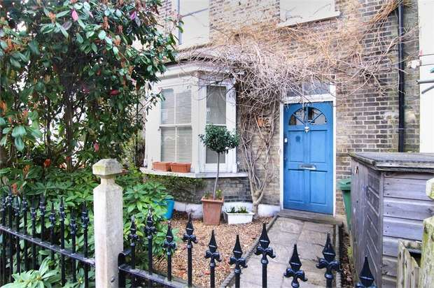 4 Bedrooms Terraced House for sale in Barclay Road, Walthamstow, London