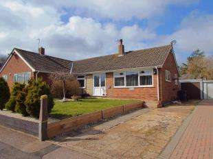 3 Bedrooms Bungalow for sale in Guilford Avenue, Whitfield, Dover, Kent