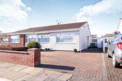 2 Bedrooms Bungalow for sale in Lupton Drive, Crosby, Liverpool, Merseyside, L23