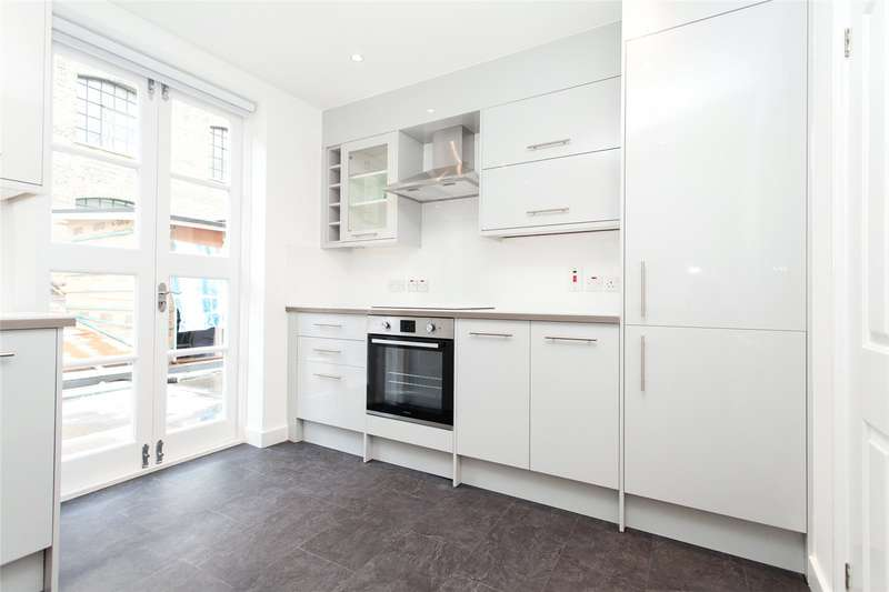 3 Bedrooms Flat for rent in Exmouth Market, Clerkenwell, EC1R