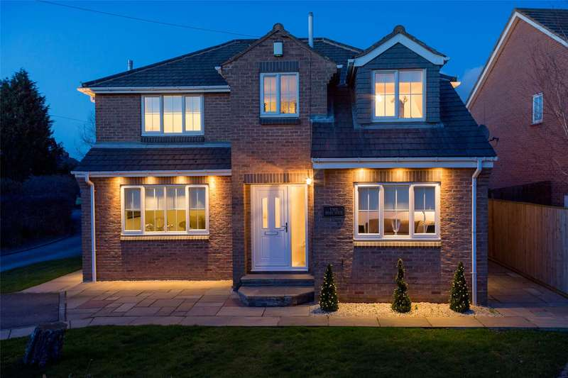 4 Bedrooms Detached House for sale in Lee Court, Whitley, Goole, DN14