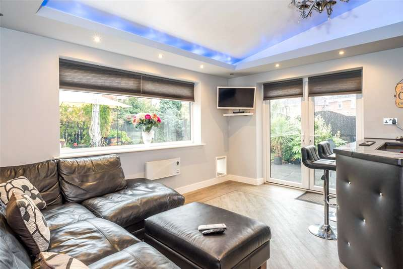 4 Bedrooms Detached House for sale in Woodlands Drive, Barlby, Selby, YO8