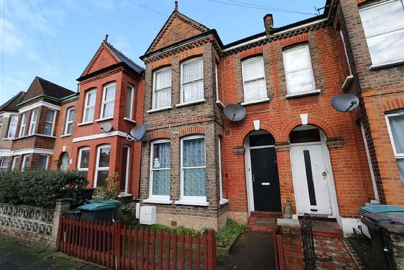 2 Bedrooms Ground Flat for sale in Chester Road, London, London, N17 6BY