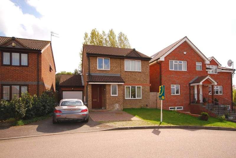 3 Bedrooms Detached House for rent in Banks Way, Burpham, GU4