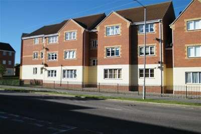 2 Bedrooms Flat for rent in Galleon Road, Chafford Hundred