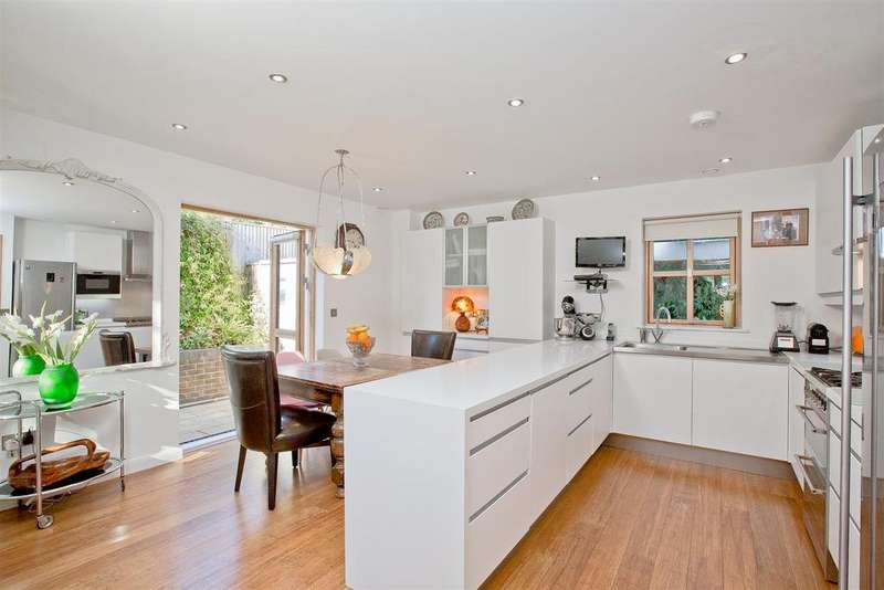 4 Bedrooms Detached House for sale in Onslow Road, Hove
