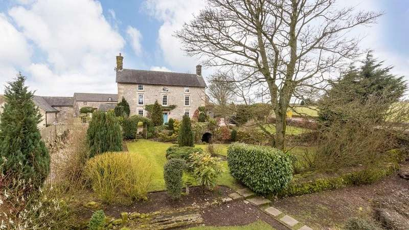 5 Bedrooms Detached House for sale in Calton Moor, Ashbourne