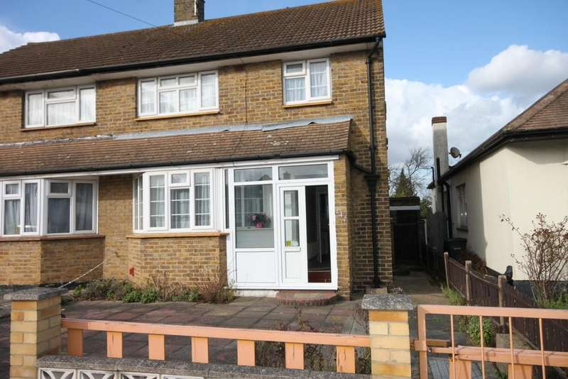 3 Bedrooms Semi Detached House for sale in Carlton Avenue, Westcliff-on-Sea