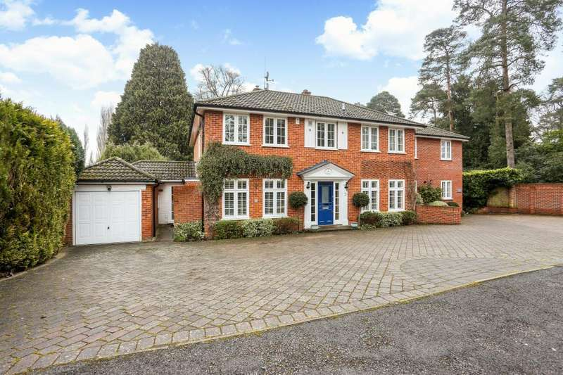 4 Bedrooms Semi Detached House for sale in The Poplars, Ascot