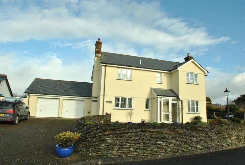 4 Bedrooms Detached House for sale in Sargents Meadow, Shop