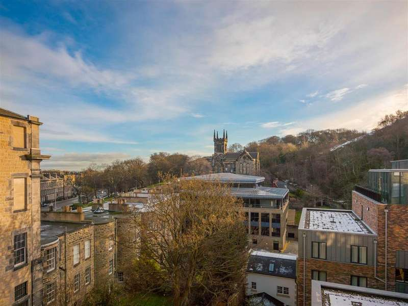 2 Bedrooms Flat for sale in Baxter's Place, Edinburgh