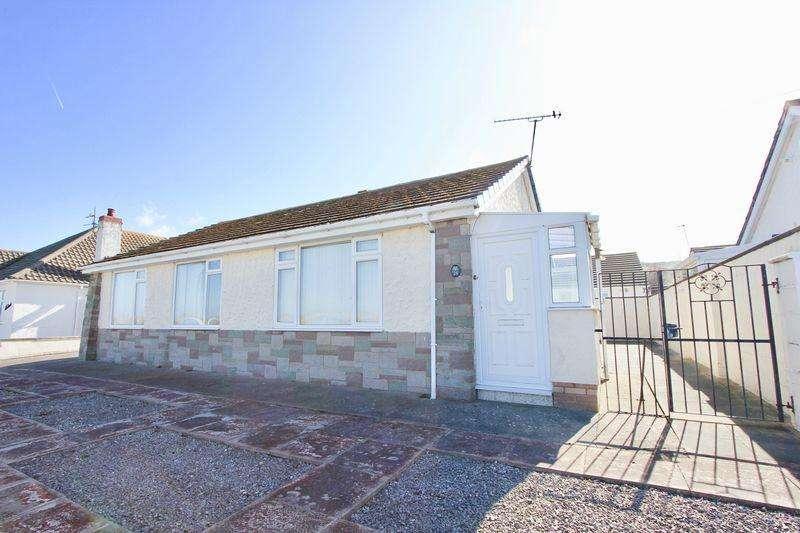 3 Bedrooms Bungalow for sale in Marine Road East, Prestatyn