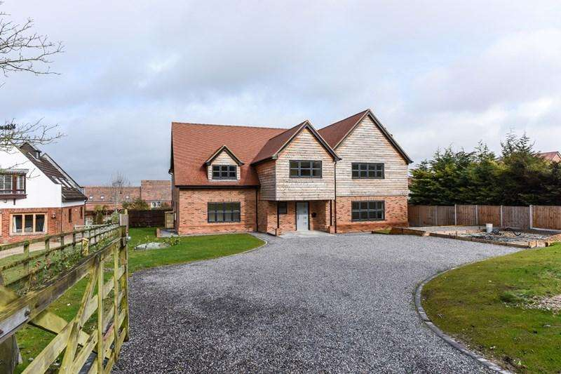 5 Bedrooms Detached House for sale in Ox Drove, Picket Piece, Andover