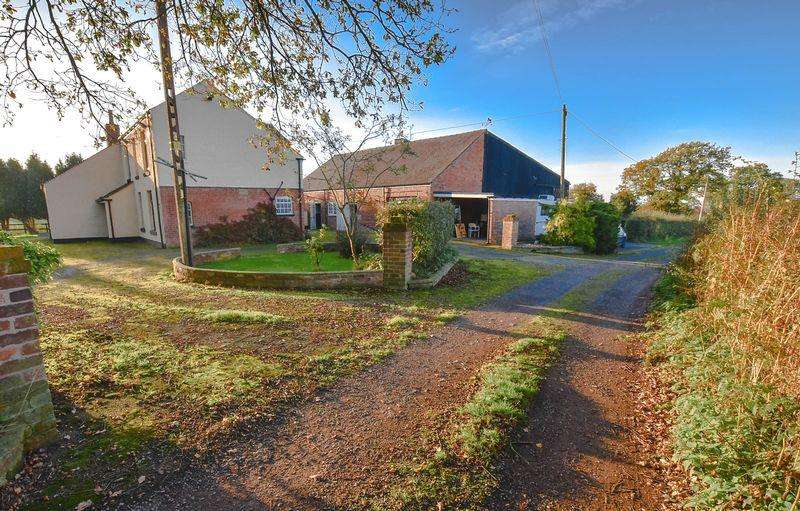 4 Bedrooms Detached House for sale in Detached Farm with 6.23 Acres, 2 Large Livestock Buildings - Offers Invited