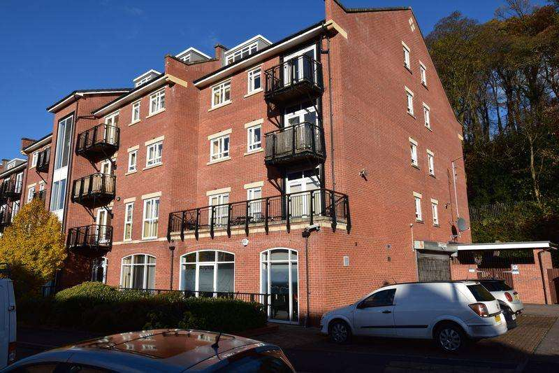 2 Bedrooms Penthouse Flat for sale in Mill Green, Congleton