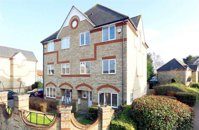 4 Bedrooms House for sale in Norbury Avenue, Watford, Herts, WD24