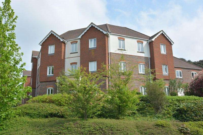 2 Bedrooms Apartment Flat for sale in Denning Mead, Andover