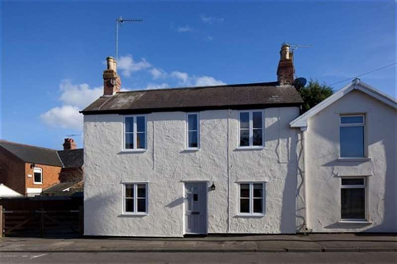 3 Bedrooms House for rent in Manor Road, Brackley, Northants