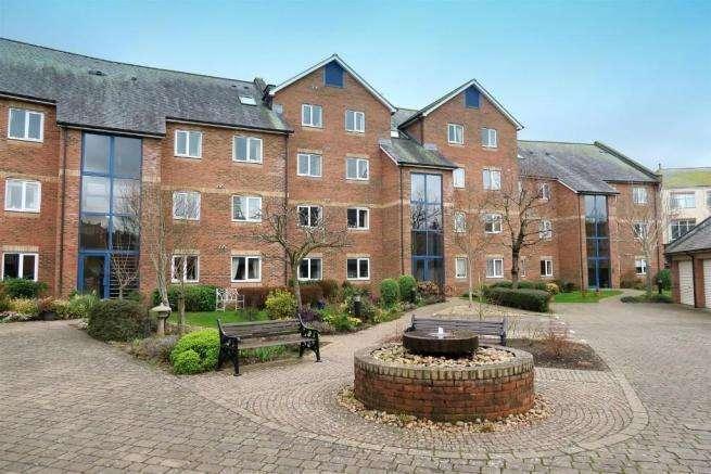 2 Bedrooms Ground Flat for sale in Bridge Street, Taunton TA1