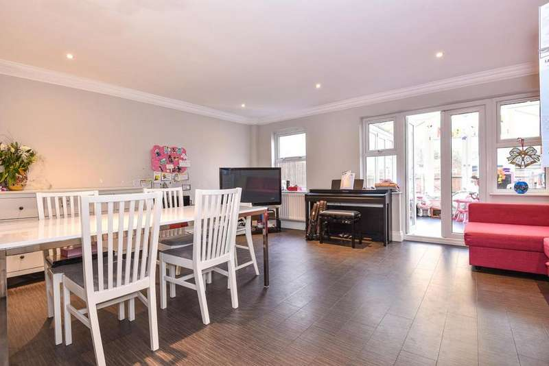 4 Bedrooms Semi Detached House for sale in Avondale Road, Wimbledon