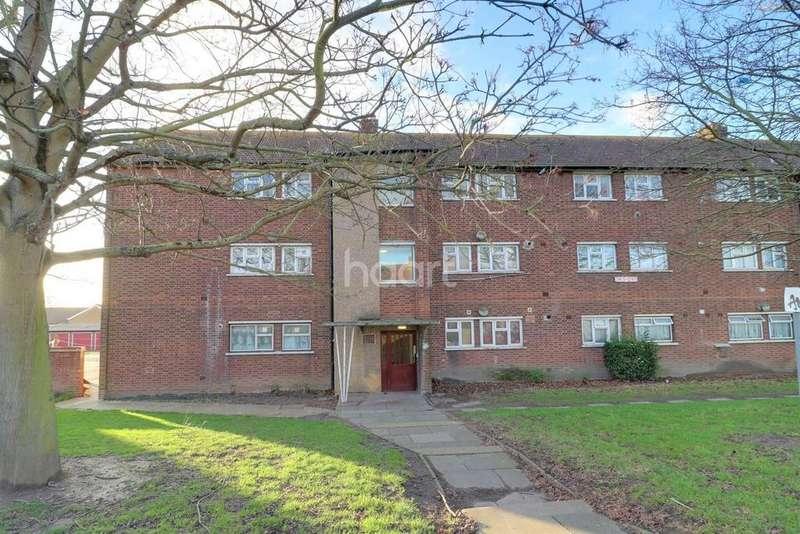 2 Bedrooms Flat for sale in Rainham Road North, Dagenham